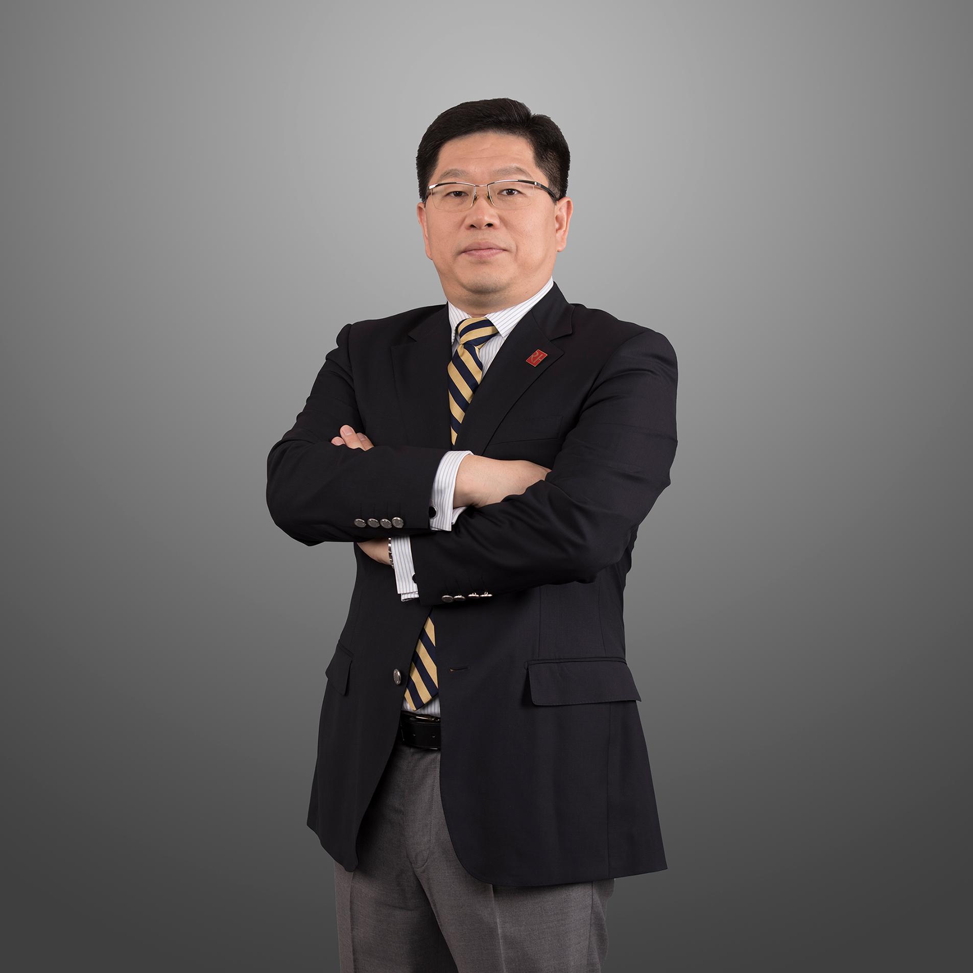 常务副会长李臻